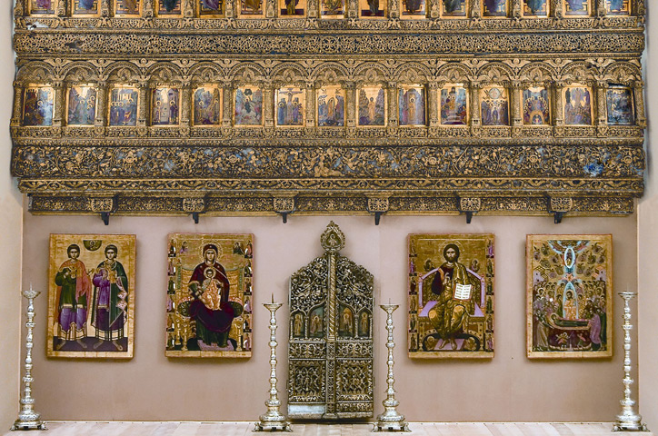 The Iconostasis of the Cotroceni Monastery
